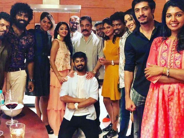 kamalhaasan gifted smartphones to biggboss contestants