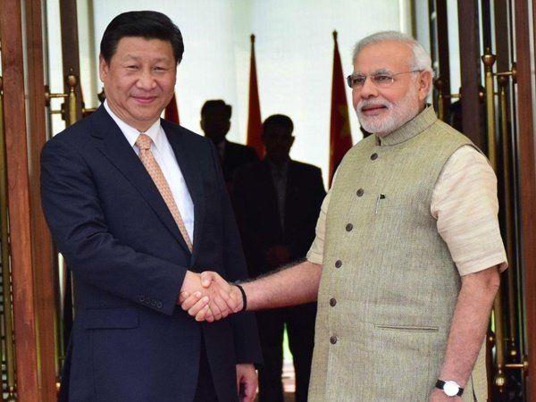 Xi Jinping with Narendra Modi, சீன அதிபர் ஜி ஜின்பிங் உடன் பிரதமர் நரேந்திர மோடி